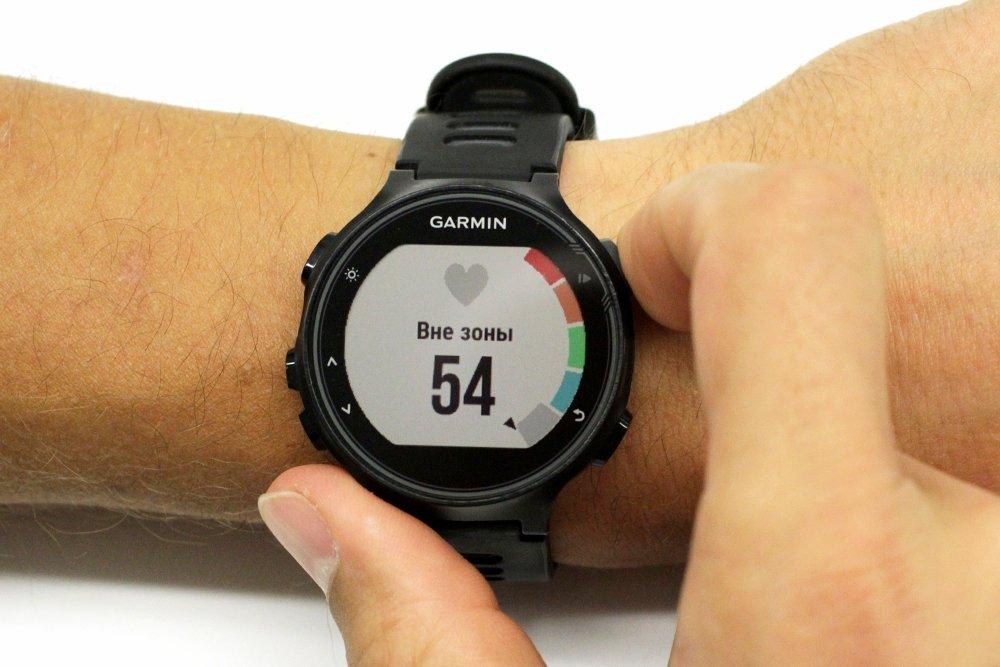 Смарт-часы Garmin Forerunner 735XT
